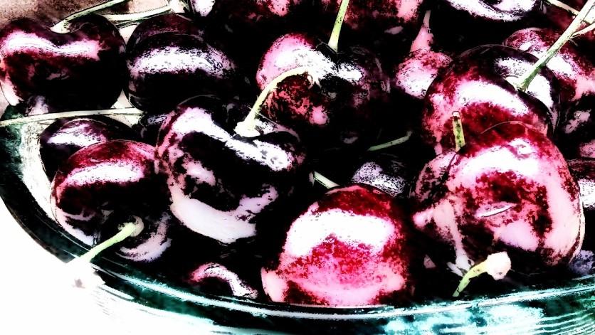 Cherries. PicturesLab.