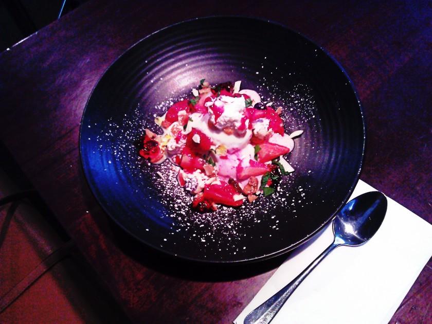 Strawberries + cream. PicturesLab.